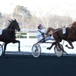 Samedi 25 Décembre 2010;Paris-vincennes;PRIX UNE DE MAI - G2;Louis BAUDRON;SCOOPDYGA -